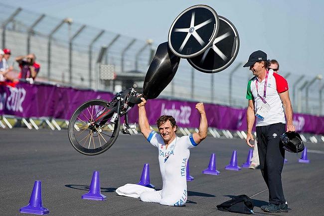 Топ-10 событий мира автоспорта 2012. Алекс Занарди
