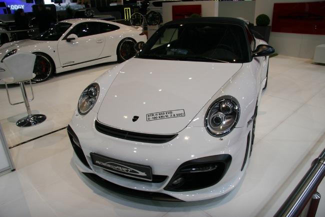 Speedart представил на Женевском автосалоне 2012 белые спорткары на базе Porsche