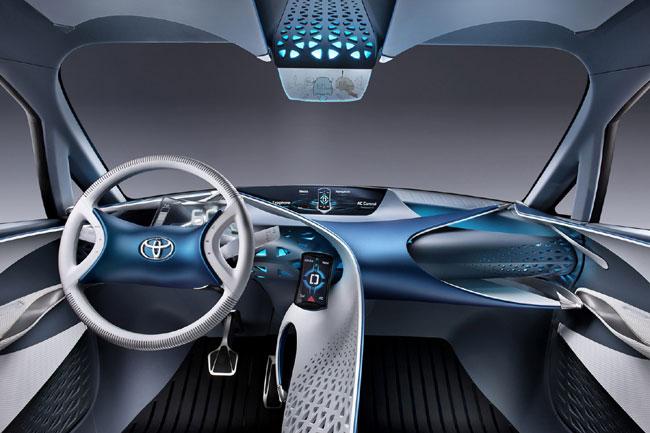 На Женевском автосалоне 2012 дебютировал гибрид Toyota FT-Bh