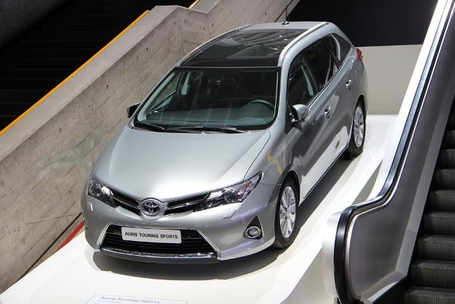 Женевский автосалон 2013: новинки Toyota