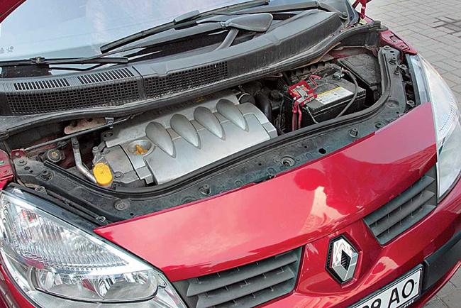 Двигатель автомобиля Renault Scenic II