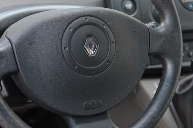 Водительский airbag  автомобиля Renault Scenic II