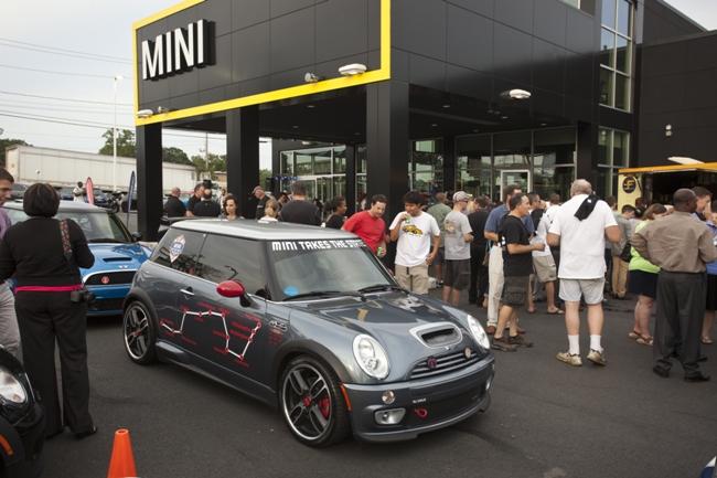 Бренд Mini 10 лет на рынке США