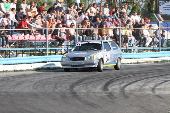 Чемпионат Украины по кольцевым гонкам приближается к своему экватору