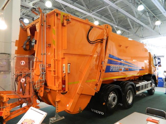 мусоровоз c задней загрузкой KBR-P22 (Presko 24)