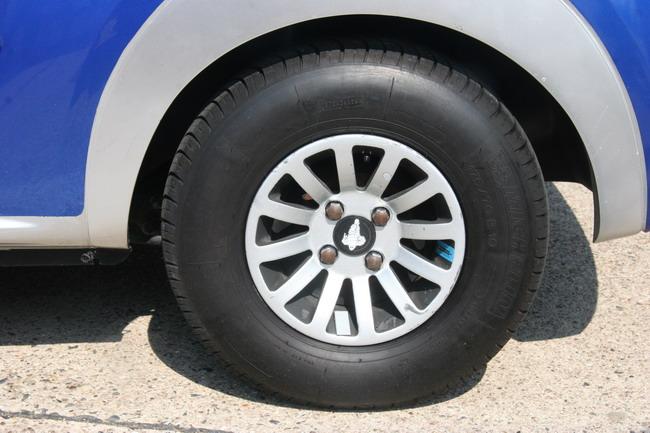 Малоразмерное колесо позволит использовать более легкие детали подвески и тормозов.