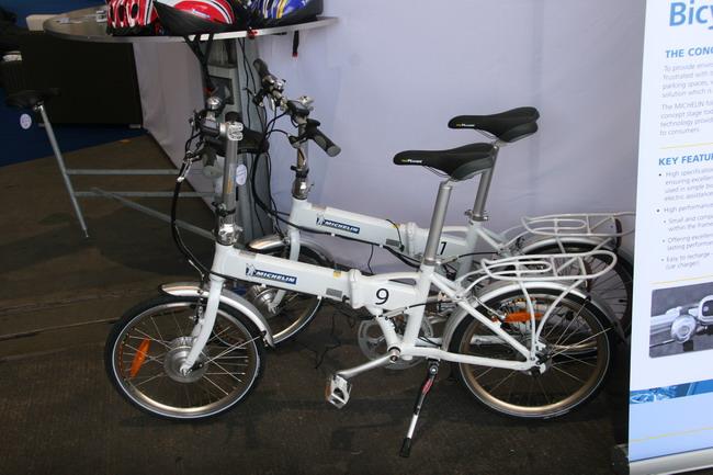 Шинная компания Michelin разработала складные велогибриды: в размер багажника.
