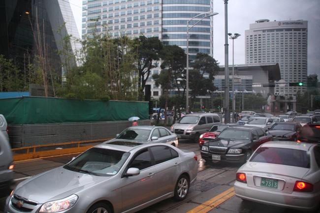 В Корее популярны большие классические седаны.