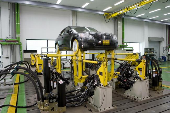 В лабораториях R&D-центре Hyundai Kia Motors - множество симуляторов, заменяющих часть дорожных испытаний.