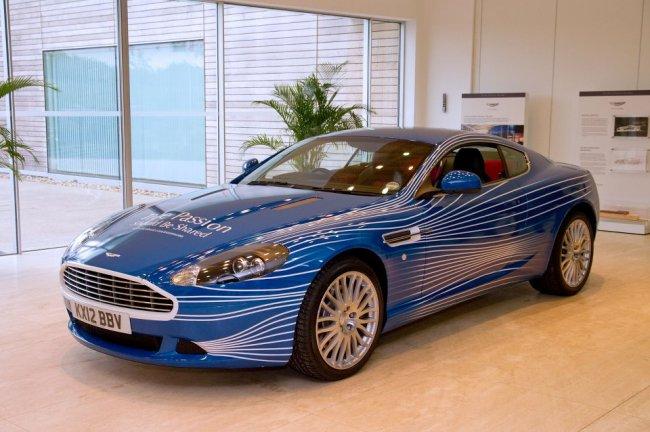 Компания Aston Martin и Facebook создали автомобиль