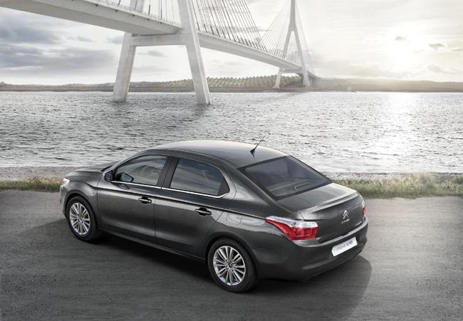 Citroen представляет две новые модели автомобилей