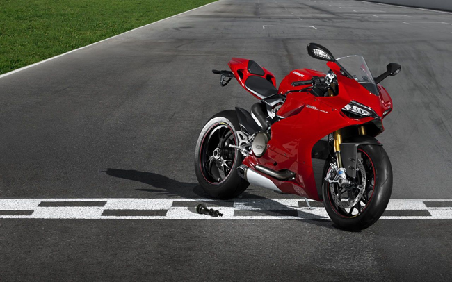 Супербайк Ducati 1199 Panigale