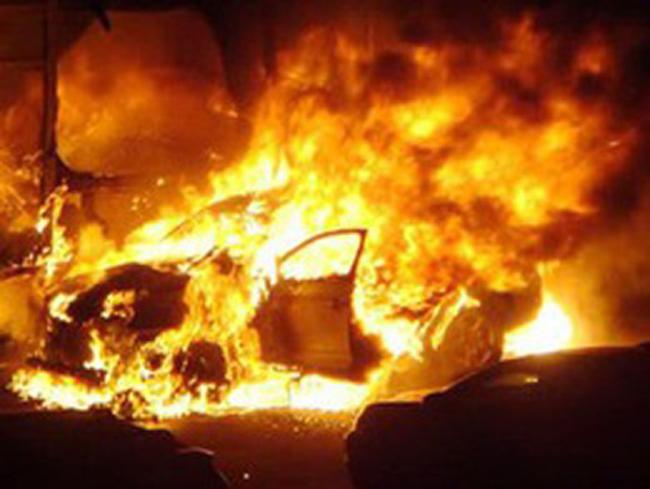 Сожгли автомобиль