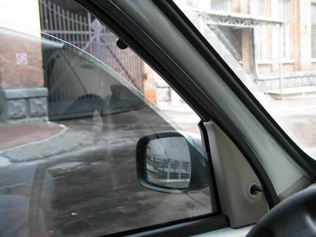 Запотевание стекол автомобиля в дождь