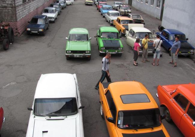 Слет всеукраинского клуба «Москвич» в Запорожье