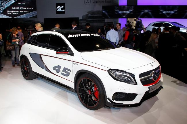 Автосалон в Лос-Анджелесе 2013: новый Mercedes-Benz GLA45 AMG