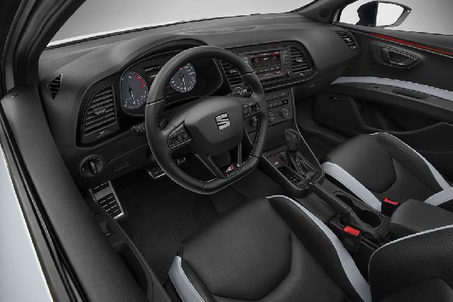 Новый Seat Leon Cupra