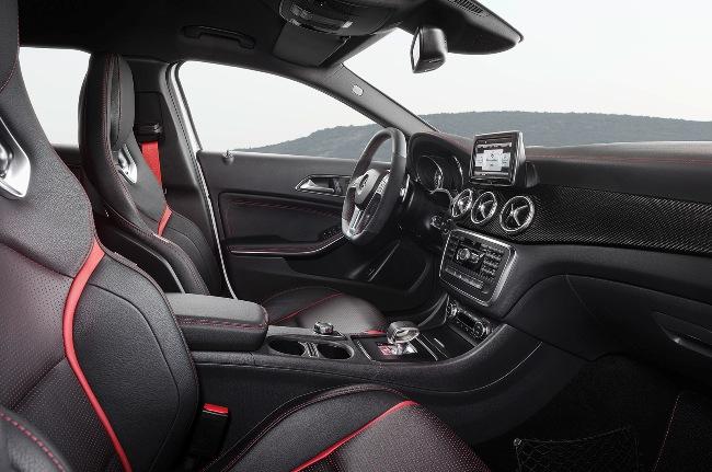 новый Mercedes GLA45 AMG