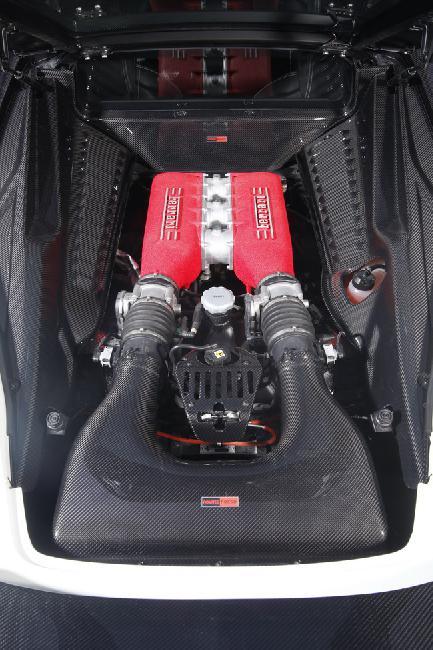Двигатель NOVITEC ROSSO 458 Italia выдает 609 л.с. при 9100 об./мин.
