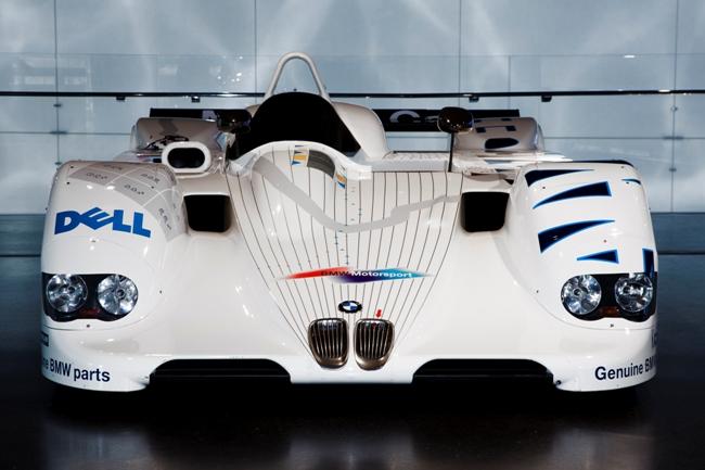 BMW в своем музее представила головоломку в 3D, которая представлена на BMW V12 LMR