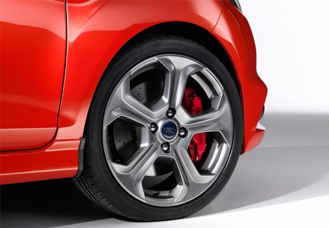 Женевский автосалон 2012 Ford Fiesta ST