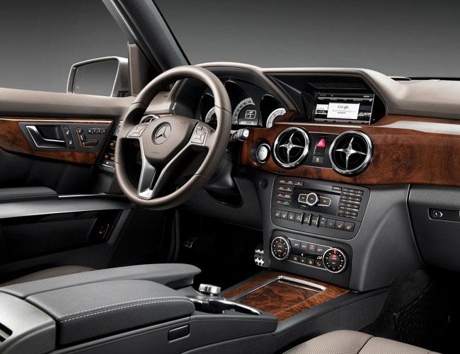 На автошоу в Нью-Йорке представят обновленный Mercedes GLK