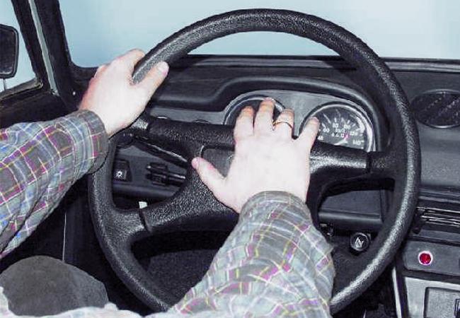 использование звуковых сигналов водителями
