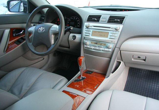 салон Toyota Camry (40)