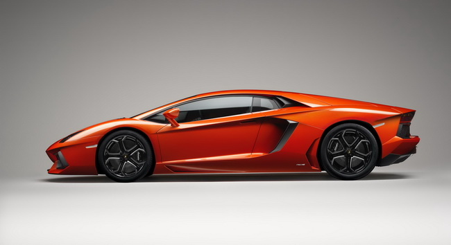 Lamborghini Aventador-LP700-4