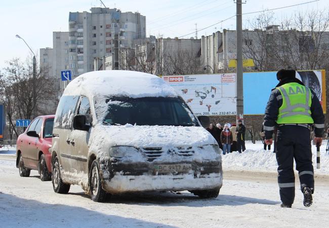 Укравтодор расчистил дороги