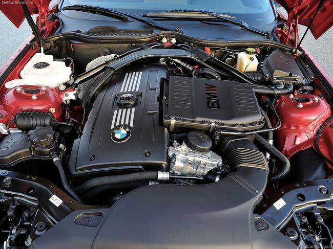 BMW думает над моторами для следующей модели M3