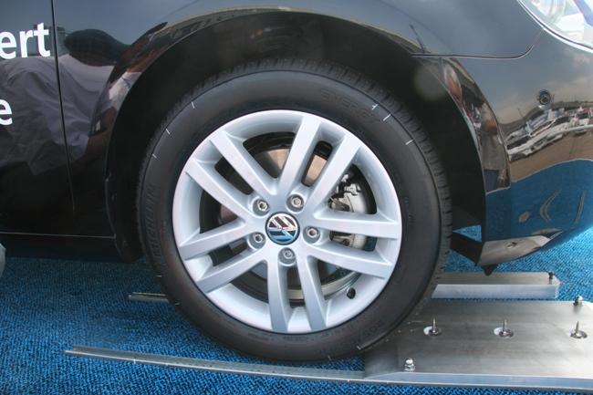 Саморемонтирующаяся шина не боится гвоздей диаметром до 6 мм