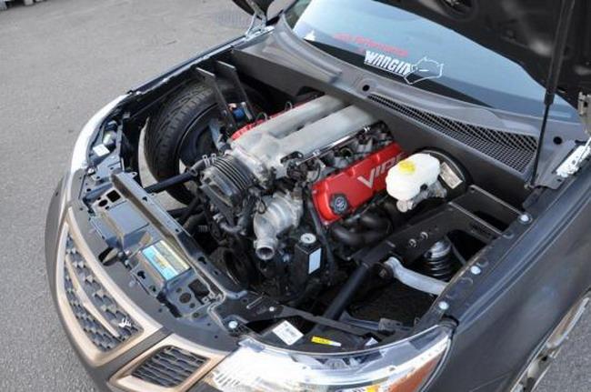 Швед замаскировал Dodge Viper под Saab 9-3