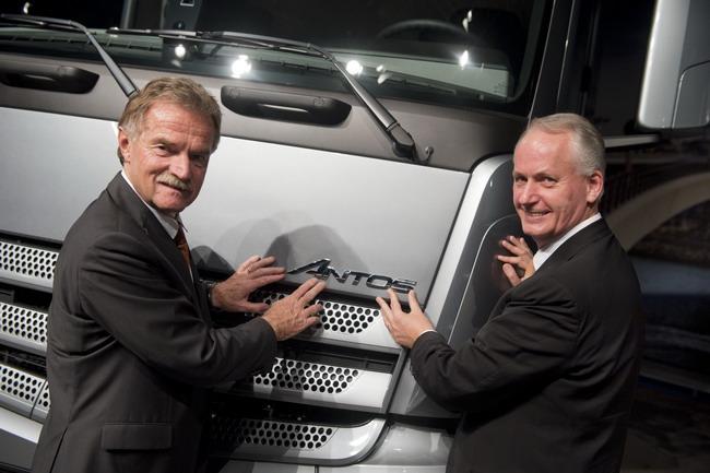 Новый грузовик Mercedes-Benz Antos