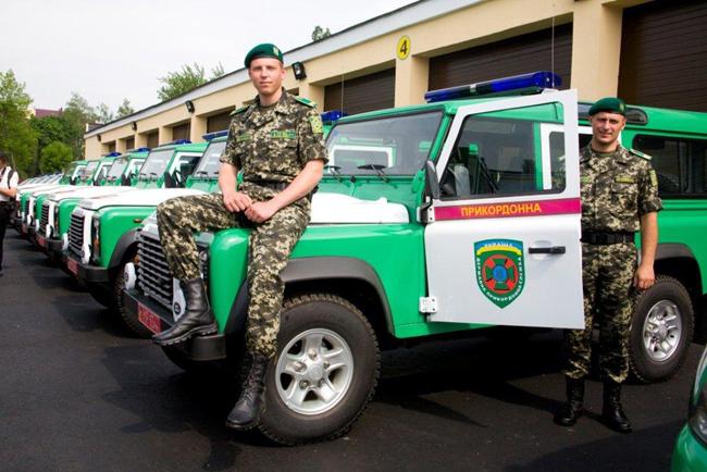 Автомобили Land Rover Defender