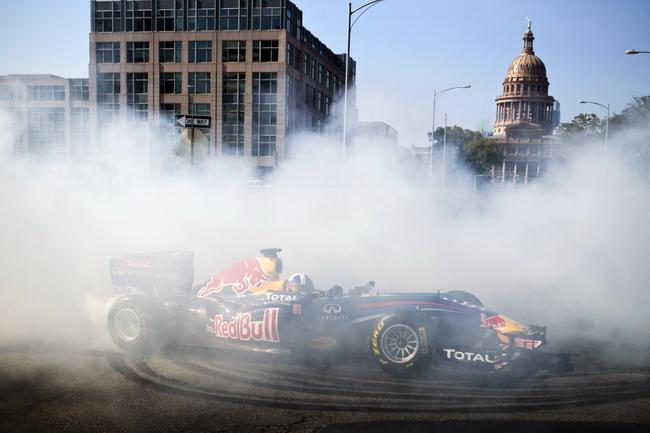 гоночный болид Red Bull Racing