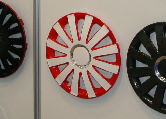 SIA 2013: новые тенденции колесных колпаков