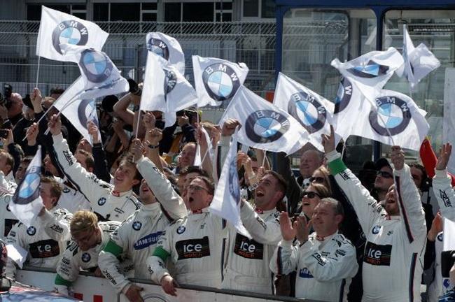 Марко Виттман на BMW M4 DTM выиграл в первой гонке сезона DTM