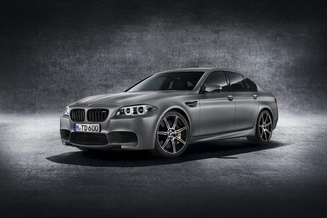 BMW M5 исполнилось 30 лет