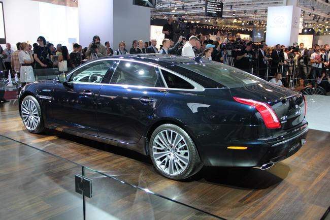 переход Jaguar на систему полного привода