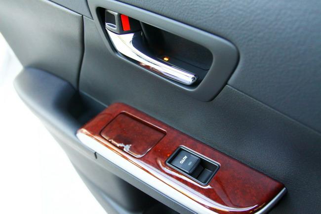 Toyota Camry названа Автомобилем года в Украине 2012!