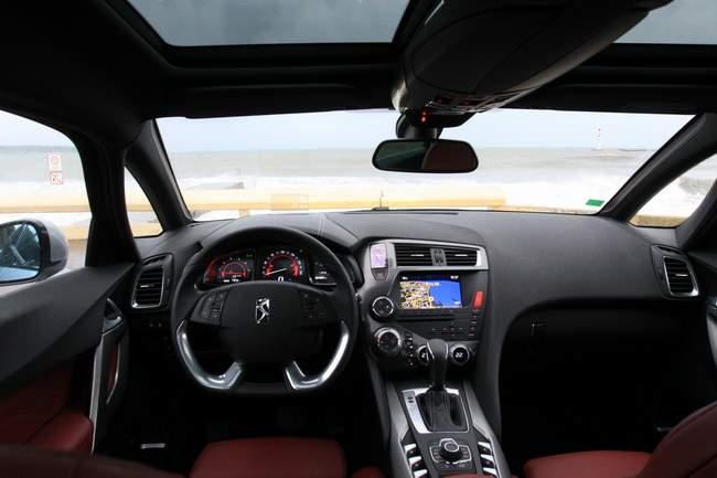 «Автоцентр» протестировал в Каннах новый Citroen DS5