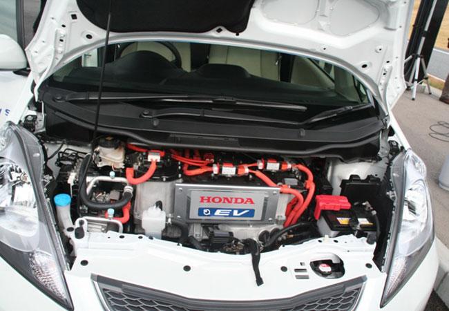 Honda Fit EV на Токийском автосалоне 2011