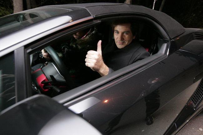 Авраам Руссо укрощает Lamborghini