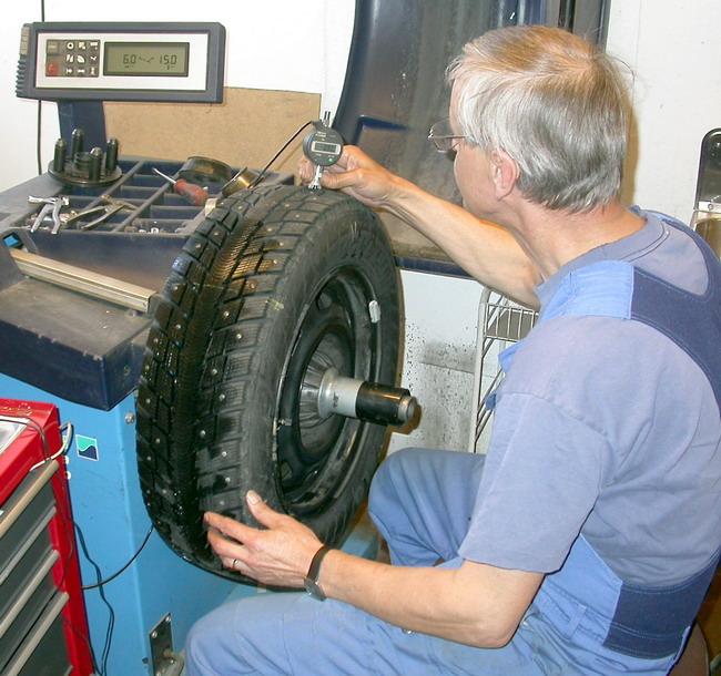 Перед монтажом «прошлогоднюю»  шину желательно проверить на предмет износа и повреждений..