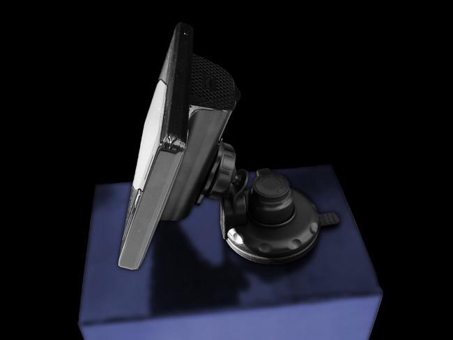 Гибридній прибор: GPS-навигатор плюс радар-детектор