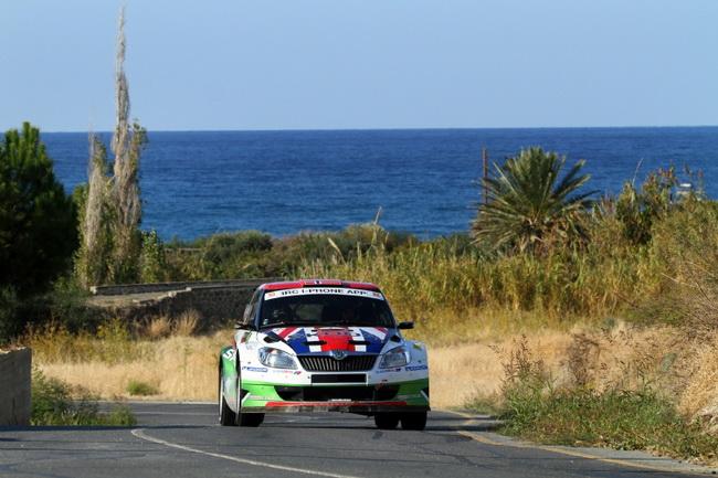 Второй СУ дня был асфальтовым и тут первая стартовая позиция уже была выигрышной - Андреас ехал по чистой дороге и вновь был лучшим!