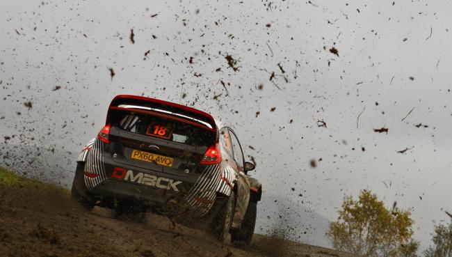 Стартуя впервые на автомобиле WRC, да еще и обутом в новую китайскую гравийную резину, Отт Танак продолжает впечатлять, закончив пятницу 6-м!