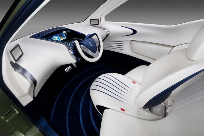 Nissan Pivo 3