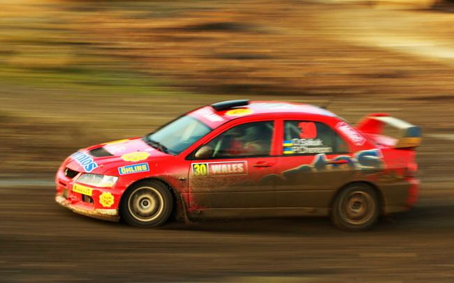 До своего третьего по счету вылета за гонку, в субботу Салюк смог вновь продемонстрировать свою скорость, включая 2-е и 3-е времена в P-WRC